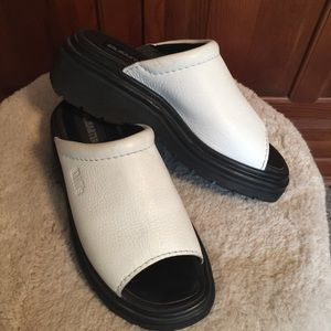 Dr. Martens White Mules Sz Big Girl 4